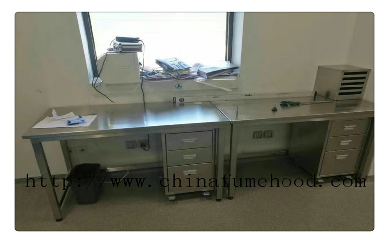 General L3000mm Stainless Steel Casework Stainless Steel Lab Furniture Surface Passivation 1.2mm Bench Top